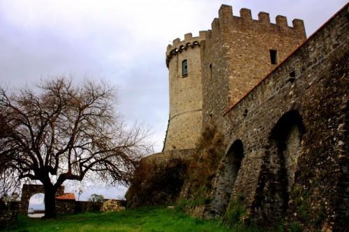 Castelnuovo Cilento - ...scappando da Velia costruirono Castelnuovo...