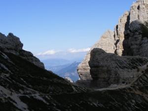 Carega.Scendendo dal rifugio Fraccaroli (2250 mt)