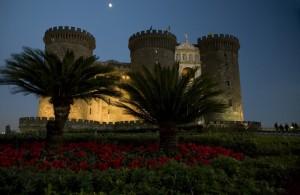 Castel Nuovo di sera