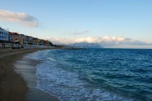 Spiaggia mangiata dal mare