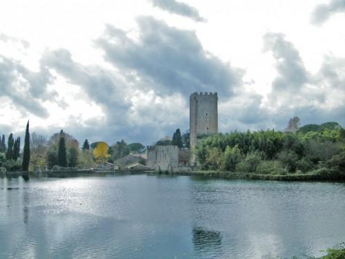 Cisterna di Latina - La torre e i ruderi