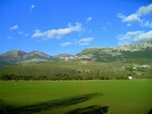 Domina la Val d'Agri dall'alto