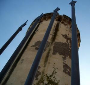 Il torrione del Castello di Mola