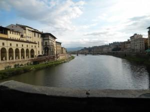 Lentamente scorre tra la Bella,il fiume Arno