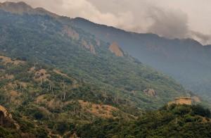 Arnad, i monti e il castello
