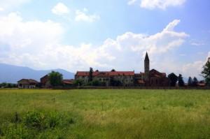 Staffarda con l'Abbazia