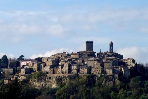 """Civitella d'Agliano - Una visione dal basso """" in campagna """""""