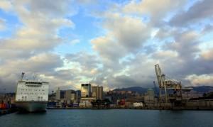 Ultimo raggio di sole sul porto.