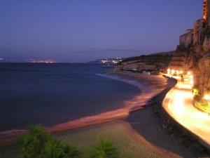 Lungomare di Tropea dopo il tramonto