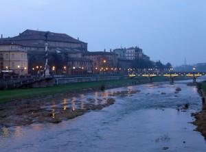 Parma e il suo Torrente dal Ponte delle Nazioni