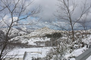 Panorama Sud di Montalbano Elicona innevato