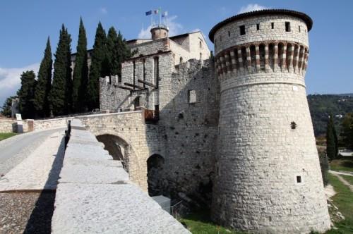 Brescia - l'Imponente Falcone