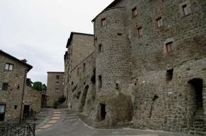 Il borgo e le sua mura a protezione