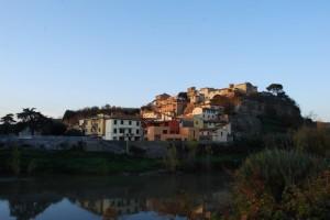 Da Montelupo si vede Capraia..
