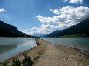a piedi sul lago