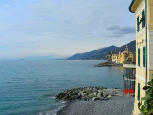 da Camogli guardando  verso Genova