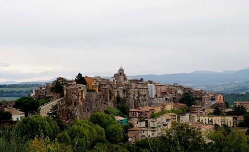 Orte - Orte sullo sfondo le sue colline