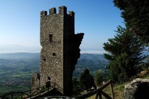 La torre sul monte Scalambra