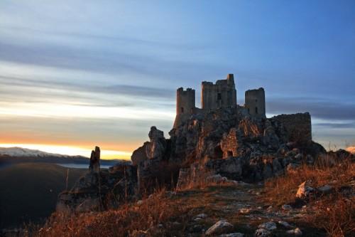 Calascio - Luce calda sulla Rocca