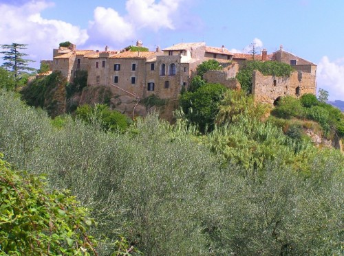Cellere - ll borgo di Pianiano tra gli ulivi