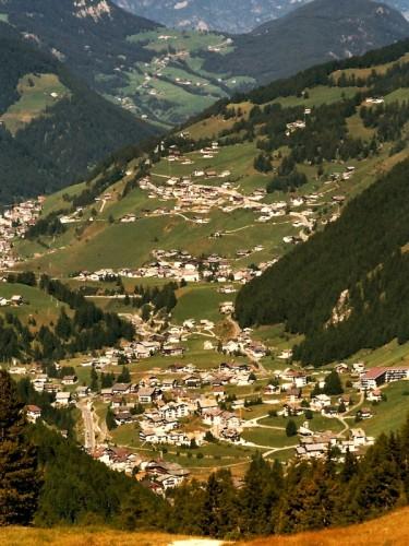 Selva di Val Gardena - da passo Gardena scendendo verso Selva