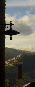 Gorgoglione da un vicolo di Cirigliano