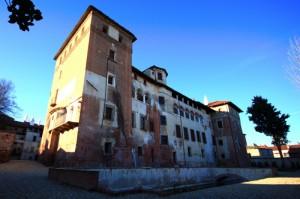 Castello Tapparelli d'Azeglio (retro con peschiera)