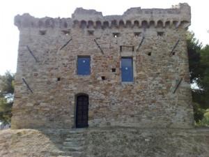 Torre Gallinaro vista dall'entrata