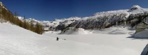 Lago, neve e ghiaccio.