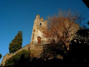l'entrata del castello di dervio