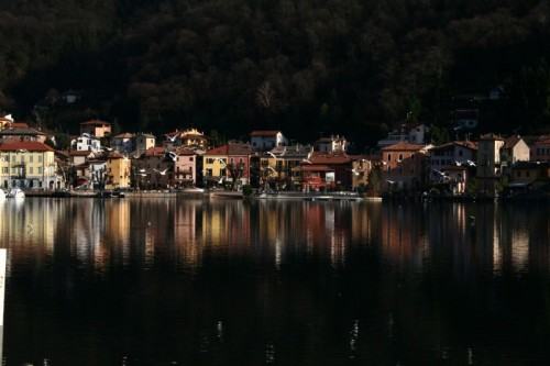 Porto Ceresio - Colori nel lago
