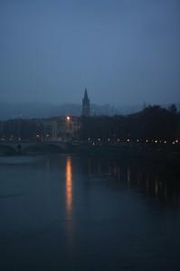 Veduta notturna di Verona