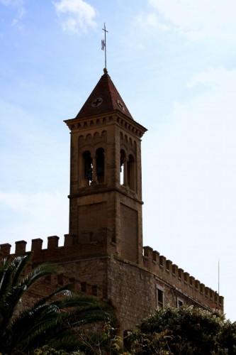 Castagneto Carducci - Campanile tra le mura di Bolgheri