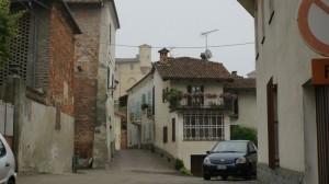 la via che porta al castello