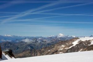 capanna gnifetti - in faccia al monte bianco