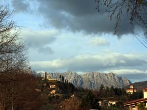 Le colline moreniche e i ruderi del castello