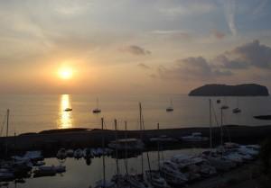 L'alba sul porto romano