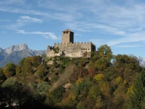 Castello di Zumelle d'autunno