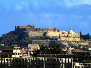 Il castello di Milazzo dal traghetto