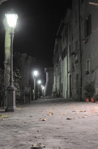 Castiglione di Garfagnana - la cinta....romantica