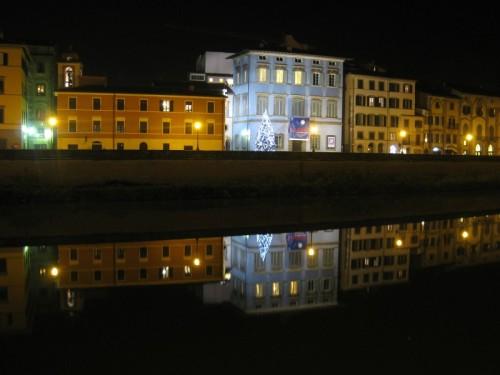 Pisa - Panoramica del lungarno Gambacorti col palazzo Blu
