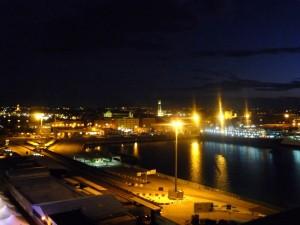 La sera di Bari…luci sul porto