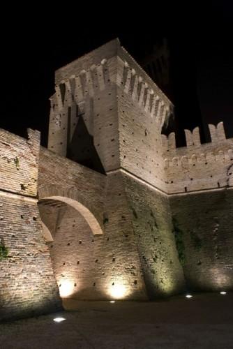 """Recanati - Montefiore di Recanati """" Il Castello """""""