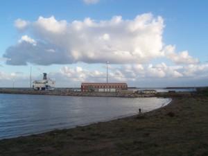 Spiaggia Marinella con Porto