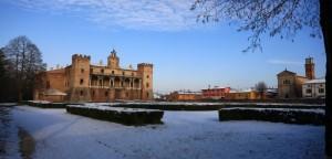 Panoramica del castello innevato