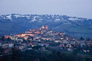 """"""" La neve sopra Sarnano """""""