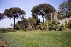 Cisterna di Latina, il castello a Ninfa