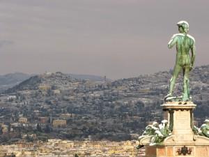 Piazzale Michelangelo un'immagine della collina innevata di Fiesole