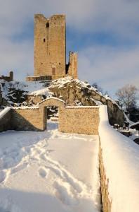 Il castello di Carpineti innevato
