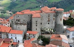sorvolando il castello di Roccadaspide